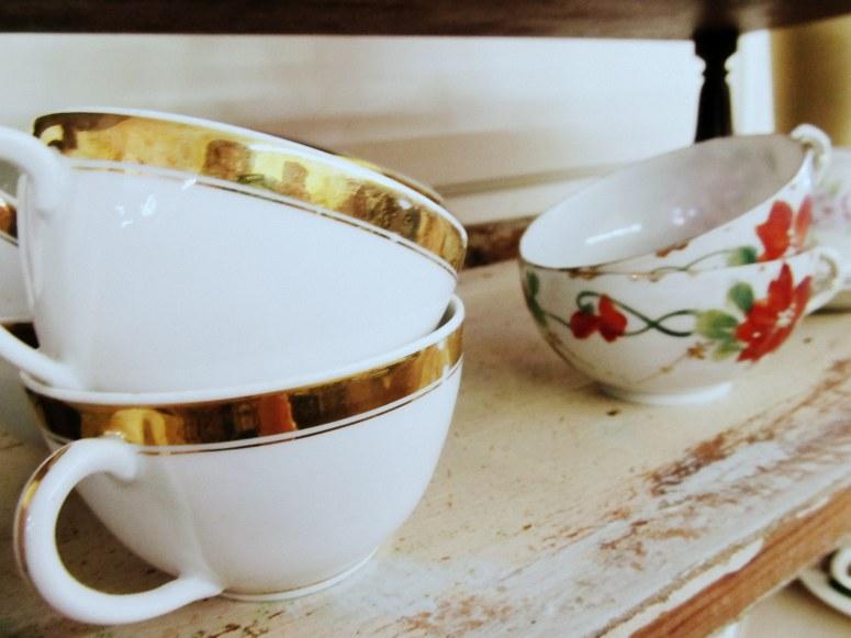 gold rim cup
