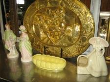 Ladies, pottery & tray
