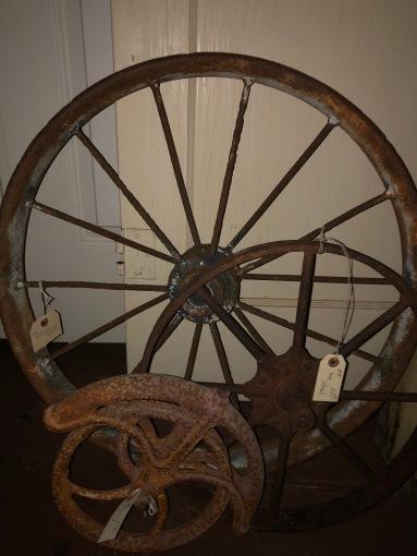 Wheel, wheel, pulley